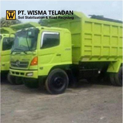 Dump Truck Tronton Hino-wisma teladan-min