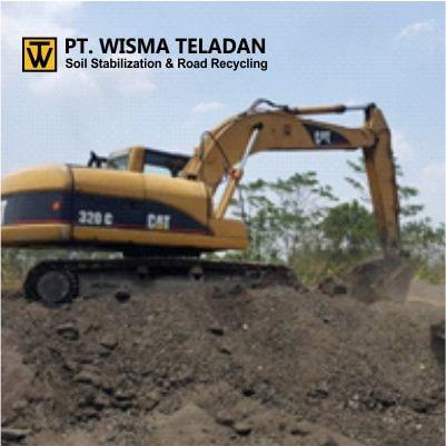Excavator Caterpillar 320 C-wisma teladan-min
